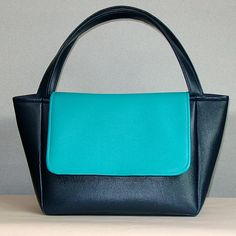 View details for the project Faux leather handbag on BurdaStyle.