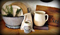 The Country Farm Home: Plain & Simple Farmhouse Vignettes