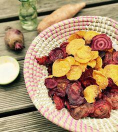 """""""Sweet Potatoes Chips! Ganz einfach und schnell selbstgemacht. Den Trick wie die wirklich knusprig werden gibt's auf dem Blog!"""