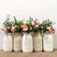 Pink Mason Jars, Mason Jar Flowers, Rustic Mason Jars, Painted Mason Jars, Mason Jar Diy, Wedding Mason Jars, Flower Jars, Pots Mason, Distressed Mason Jars
