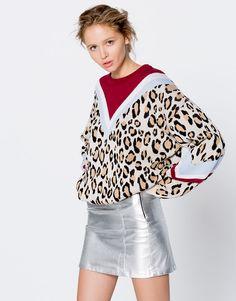 Μπλούζα με τύπωμα λεοπάρ - Πλεκτά - Ενδύματα - Γυναικεία - PULL&BEAR Ελλάδα