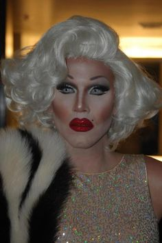 More of the great @Sharon_Needles as sweet Marilyn