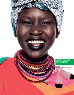 Benetton - nouvelle campagne très colorée comme à ses origines, sous l'ère du photographe Oliviero Toscani. Cette campagne intitulée « Face of colors » et réalisée par l'agence intégrée à la marque La Fabrica, met en scène des personnalités soutenant l'action de la fondation Unhate et ses valeurs : Liberté d'expression et de penser, ouverture sur le monde, tolérance…