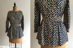 Vintage 1960s Blouse / 60s 70s Daisy Print Peplum Waist Top - Small