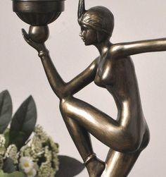 figuralna lampa w stylu art deco