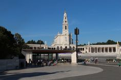 Overnight tour to Fatima, Obidos, Batalha, Nazare. Spend as many nights you wish in Fatima and have Mass in pilgrimage Catholic center of Christian religion. Religious daytrips and excursions in Portugal visiting churches and castles.