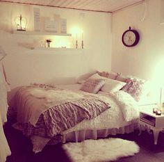 tripplerainbow: rosy, pastel bedroom
