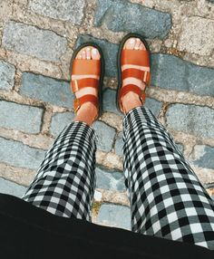 Fashion 2020, Look Fashion, Fashion Shoes, Girl Fashion, Fashion Outfits, Summer Outfits, Cute Outfits, Martens, Moda Vintage