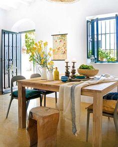 Beautiful home in Málaga, via MICASA magazine.