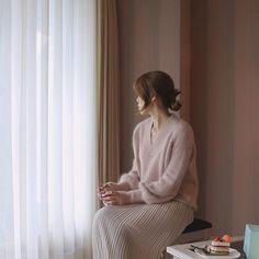 올해 겨울도 꽁지머리. . . #dailypic #instagood #데일리룩 #앙고라니트 #outfit #knit #마켓
