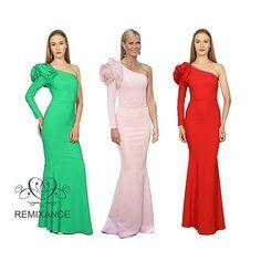 @gwynethpaltrow es otra de nuestras musas @remixance 😍😍😍 Los vestidos Stella y Kamila así lo demuestran 👗👗👗👗👗👗 Siéntete una estrella 🌟 Y ven a la boutique @dressmeup_alla  C/ Duque Sesto 11 Zona Goya. Madrid  #remixance  #sofisticacionsinesfuerzo