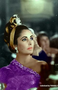 Liz Taylor is so gorgeous in purple!