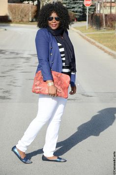 Plus size fashion inspiration: Blue White and red. Check out details of the outfit on www.mycurvesandcurls.com #whitejeans #whitedenim #Navy #plussizeoutfits
