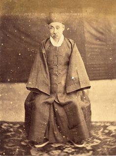 Heungseon: Father of King Gojong  Heungseon: Father of King Gojong, 13.5×9.9cm, 1890s