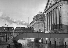 Die Museumsinsel mit dem Bode-Museum und dem Pergamon-Museum 1951