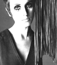 Julie Driscoll by Richard Avedon Vogue Italia, May 1969 Richard Avedon Photos, Richard Avedon Photography, Julie Driscoll, 60s Makeup, America Images, Band Pictures, Women In Music, Timeless Beauty, People Around The World