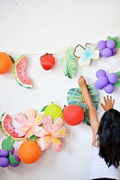 DIY Summer Fruit Balloon Garland from MichaelsMakers Little Inspiration Diy Garland, Balloon Garland, Balloons, Twin Birthday Parties, Birthday Party Games, Baby Birthday, Birthday Ideas, Summer Diy, Summer Fruit