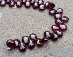 Semi Precious Beads, Body Jewelry, Garnet, Natural Gemstones, Gemstone Jewelry, Pear, Beaded Bracelets, Nature, Beautiful