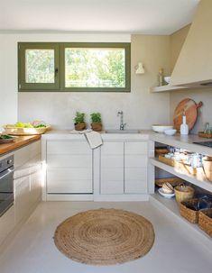 50 cocinas rústicas bonitas, con muebles vintage y mucho encanto Cottage House Plans, Cottage Homes, Santa Fe Home, Spanish House, Beach House, Table, Furniture, Home Decor, Small Kitchens