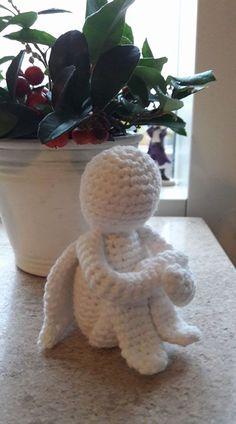 Min lille engel Jeg så denne søde engel på pinterest og måtte bare prøve at hækle den. Jeg har skrevet ned hvordan den blev til :-) d...