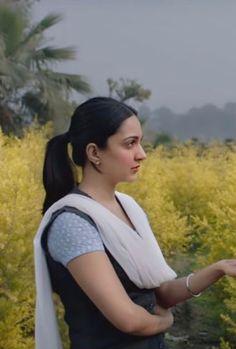 Beautiful Bollywood Actress, Beautiful Indian Actress, Beautiful Actresses, Beautiful Girl Image, Beautiful Gorgeous, Beautiful Girl Hd Wallpaper, Kaira Advani, Kiara Advani Hot, Joker Heath