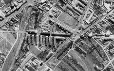 Pridávam výrez Račka z mega fotky bombardovania Apolla 1944, sú tam zaujímavé detaily - chcel by som získať fotku toho domčeka, ktorý stál vtedy na mieste 7 poschodového ...