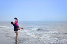 💙 Wow, it is so romantic! Photo by Pankaj Rokade Photography, Mumbai #weddingnet #wedding #india #indian #indianwedding #saree #realwedding #prewedding #photoshoot #photoset #hindu #inspirations #weddinglocation #couple #nature #outdoor #portrait #sun #beach