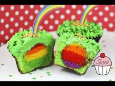 She Makes Rainbow-Filled Cupcakes, The Perfect Treat For St. Patrick's Day - Daily Megabyte