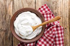 Discover how and why to use yogurt for yeast infection. Here's A Quick Way To End Your Yeast Infection in Just 24 hours! Sandwich Torte, Coconut Whipped Cream, Coconut Milk, Fresh Market, Snacks, Muesli, Cream Recipes, Mayonnaise, Greek Yogurt