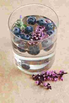 blueberry lavender water & more infused water recipes Infused Water Recipes, Fruit Infused Water, Infused Waters, Flavored Waters, Detox Drinks, Healthy Drinks, Healthy Water, Detox Juices, Healthy Skin