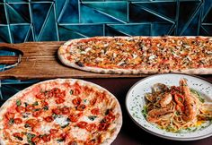 10 restaurantes con pizza (made in Spain) Pasta, Slow Food, Vegetable Pizza, Interior Styling, Kitchen Design, Sweet Home, Tiles, Luxury Designer, Handmade Ceramic