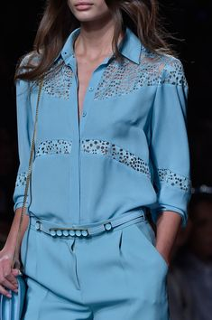 Elie Saab at Paris Fashion Week Spring 2015 Elie Saab Spring 2015 Ready-to-Wear Couture Fashion, Runway Fashion, Spring Fashion, Paris Fashion, Daily Fashion, Trendy Fashion, Elie Saab Spring, Blouse Vintage, Blouse Designs