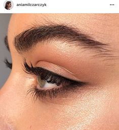 Perfecting that warm natural eye with gorgeous liner and smoked lower lash line