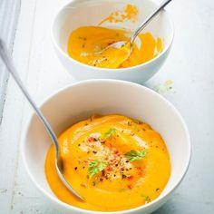 Découvrez la recette Velouté de potiron express sur cuisineactuelle.fr.