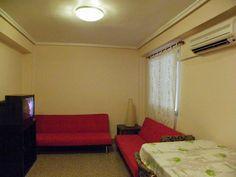 Salón con dos sofás-cama, TV y TDT, aire acondicionado y preinstalación de ONO y Jazztel.