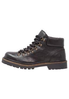 Shoe The Bear AURORA Korte laarzen black, 159.95, http://kledingwinkel.nl/shop/dames/shoe-the-bear-aurora-korte-laarzen-black/ Meer info via http://kledingwinkel.nl/shop/dames/shoe-the-bear-aurora-korte-laarzen-black/