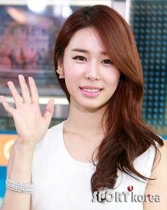 http://en.korea.com/k-stars/files/2012/04/yin-7.png