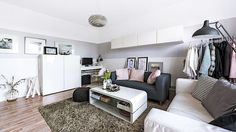 V malém panelákovém bytě se našlo místo pro dobré nápady Contemporary, Rugs, Home Decor, Ideas, Farmhouse Rugs, Decoration Home, Room Decor, Home Interior Design, Thoughts