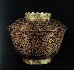 Gold niello covered bowl. King Rama V craftsmanship.