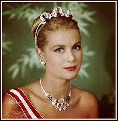 Princesa Grace Kelly, Elizabeth Blackwell, Grace Kelly Style, Patricia Kelly, Monaco Royal Family, Princess Caroline Of Monaco, Teddy Boys, Royal Jewelry, Classic Actresses