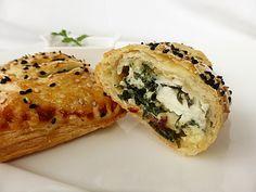 Mangold-Feta-Taschen, ein raffiniertes Rezept aus der Kategorie Käse. Bewertungen: 10. Durchschnitt: Ø 4,4.