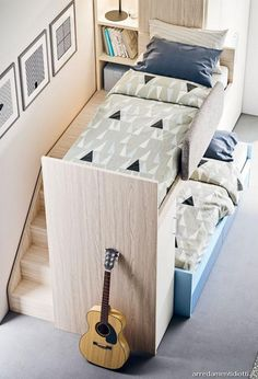 Letto a soppalco con pedana a gradini fissa retro letto Loft bed with fixed step platform behind the bed Bunk Bed Designs, Girl Bedroom Designs, Small Room Bedroom, Kids Bedroom, Small Bedrooms, Beds For Small Rooms, Attic Bedrooms, Girl Bedrooms, Bedroom Furniture