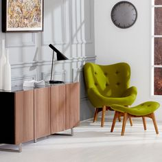 R160 Contour Lounge Chair by Grant Featherston.