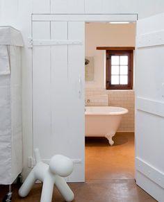 landelijke badkamer: bad op pootjes