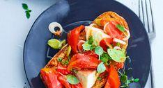 Verrine tomate mozzarella Salade Caprese, Tacos, Ethnic Recipes, Food, Tzatziki, Pain, Cucumber, Cooking Recipes, Essen