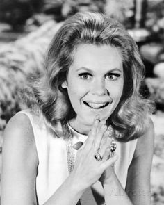 Elizabeth Montgomery - Bewitched Photo at AllPosters.com