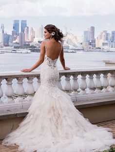 Beautiful Super winter wedding dress ideas for
