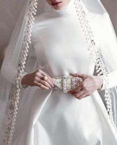 Muslim Wedding Gown, Hijabi Wedding, Muslimah Wedding Dress, Muslim Wedding Dresses, Disney Wedding Dresses, White Wedding Gowns, Hijab Bride, Wedding Dress With Veil, Muslim Brides