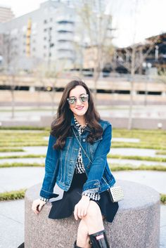 How to wear Hunter boots. Pairing a denim jacket with black gloss Hunter boots for a stylish spring outfit http://baublestobubbles.com/2017/05/03/hunter-boots-black-gloss/?utm_campaign=coschedule&utm_source=pinterest&utm_medium=Olivia%20Johnson%20-%20Baubles%20to%20Bubbles&utm_content=Black%20Wellies
