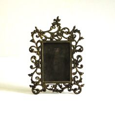 old frame, with LOVELY detail